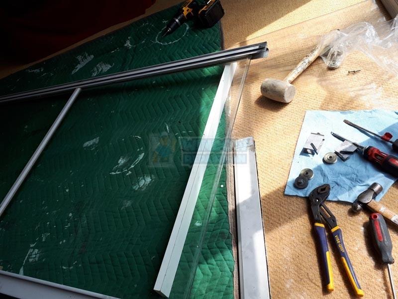 sliding door roller replacement service